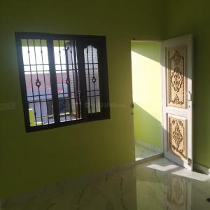 Gallery Cover Image of 1100 Sq.ft 2 BHK Independent House for rent in Ambattur for 14000