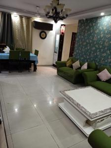 Gallery Cover Image of 1694 Sq.ft 3 BHK Apartment for rent in Stellar Jeevan, Noida Extension for 17000