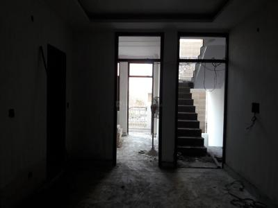 Gallery Cover Image of 810 Sq.ft 3 BHK Apartment for buy in Govindpuri for 3900000