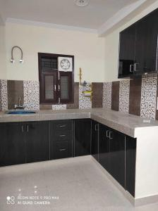 Gallery Cover Image of 1000 Sq.ft 2 BHK Apartment for rent in Chhattarpur for 14000