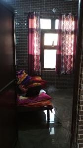 Gallery Cover Image of 1000 Sq.ft 1 BHK Apartment for rent in Durga Nagar for 7500