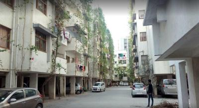 Gallery Cover Image of 1620 Sq.ft 3 BHK Apartment for rent in Thaltej for 26000