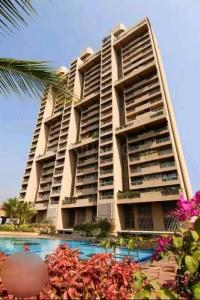 Gallery Cover Image of 3200 Sq.ft 4 BHK Apartment for rent in Oberoi Sky Heights, Andheri West for 378965
