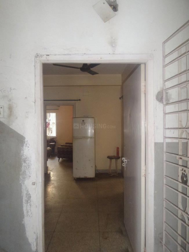 Main Entrance Image of 850 Sq.ft 2 BHK Apartment for rent in Tollygunge for 17000