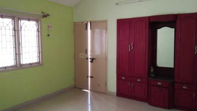 Gallery Cover Image of 2500 Sq.ft 3 BHK Villa for rent in Sembakkam for 20000