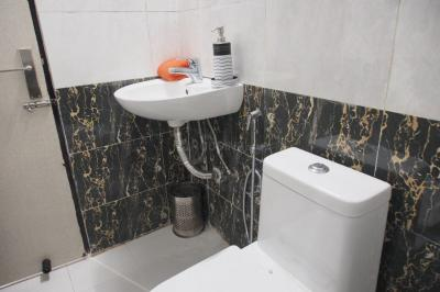 Bathroom Image of Yash Villa in Sector 48