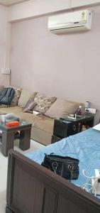 Gallery Cover Image of 400 Sq.ft 1 RK Apartment for rent in Prabhadevi for 35000