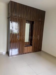 Gallery Cover Image of 1300 Sq.ft 2 BHK Apartment for rent in Prestige Royale Gardens, Muddanahalli for 20000