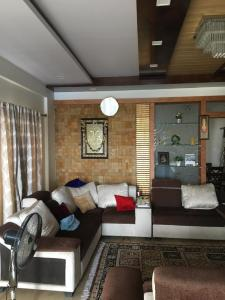 Gallery Cover Image of 2200 Sq.ft 3 BHK Independent Floor for buy in RR Nagar for 16500000