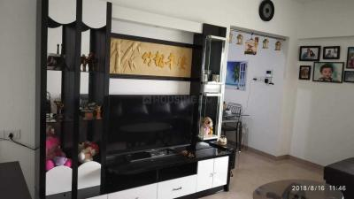 Gallery Cover Image of 750 Sq.ft 2 BHK Apartment for rent in Mundhwa for 21000