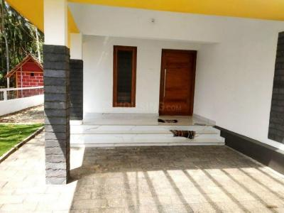 Gallery Cover Image of 1500 Sq.ft 3 BHK Independent House for buy in Guruvayoor for 4250000