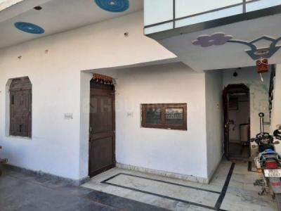 Gallery Cover Image of 2200 Sq.ft 2 BHK Independent House for rent in Dhaliawas Gaon for 11000
