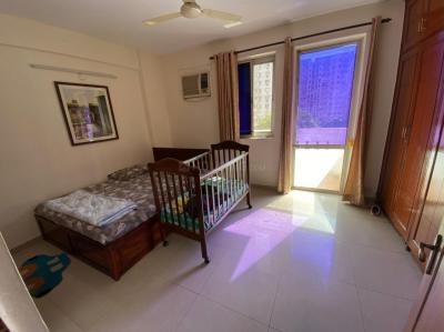 Gallery Cover Image of 1450 Sq.ft 3 BHK Apartment for rent in DLF Wellington Estate, DLF Phase 5 for 45000