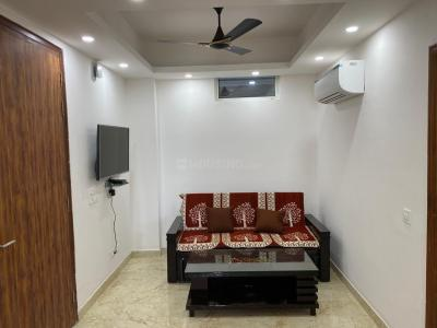Gallery Cover Image of 650 Sq.ft 1 BHK Apartment for rent in Royal Apartment, sector 73 for 12000