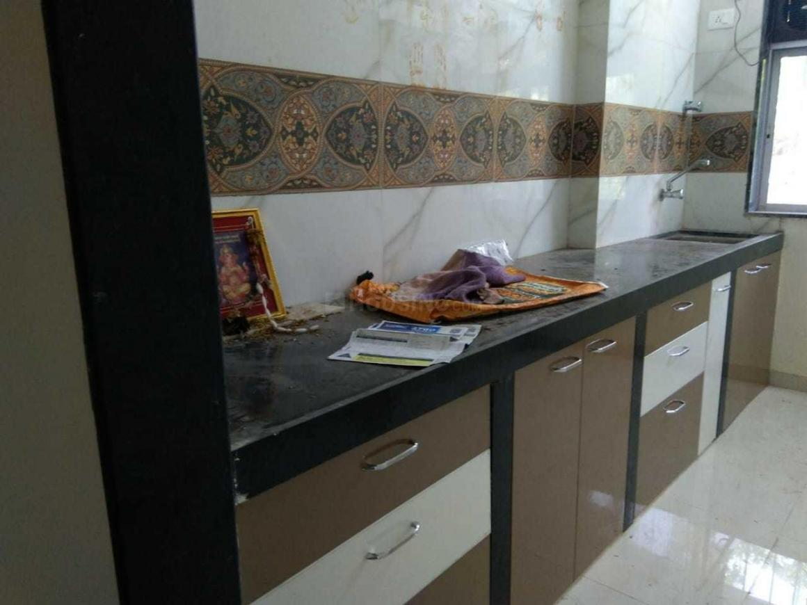 Kitchen Image of 950 Sq.ft 2 BHK Apartment for rent in Borivali West for 30000