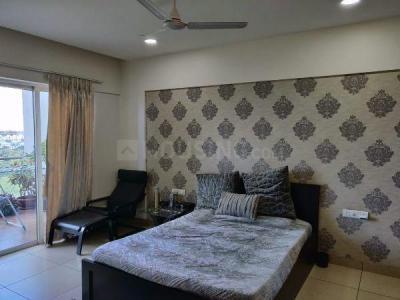 Gallery Cover Image of 2000 Sq.ft 3 BHK Apartment for rent in Karia Konark Vista, Hadapsar for 65000