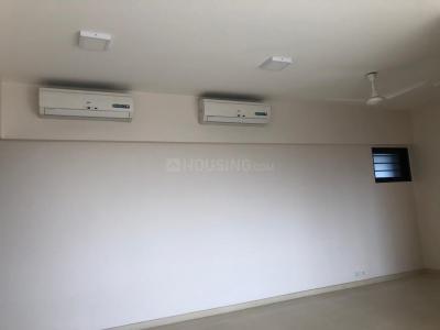 Gallery Cover Image of 1900 Sq.ft 3 BHK Apartment for rent in Godrej Platinum, Vikhroli East for 90000