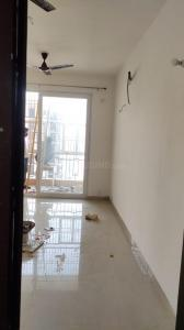 Gallery Cover Image of 750 Sq.ft 2 BHK Apartment for rent in Jaypee Greens Kosmos, Sector 134 for 12000