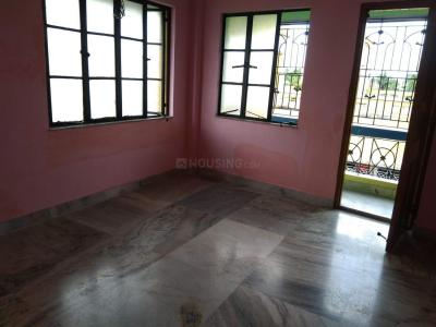 Gallery Cover Image of 720 Sq.ft 2 BHK Apartment for rent in Paschim Putiary for 7500