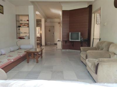 Gallery Cover Image of 2205 Sq.ft 2 BHK Apartment for rent in Navrangpura for 19500