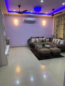 Gallery Cover Image of 2152 Sq.ft 2 BHK Villa for rent in Ansal API Sushant Golf City Greenwood Duplex, Golf City for 30000