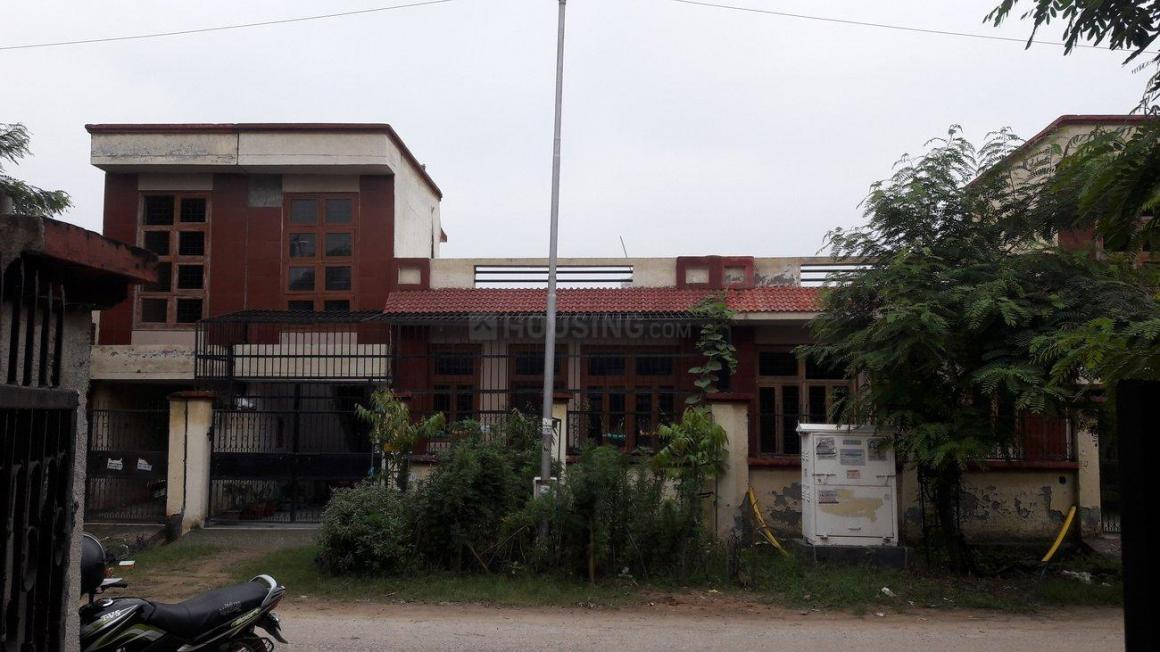 Building Image of 1292 Sq.ft 2 BHK Independent House for buy in Sector Xu 1 Greater Noida for 5900000