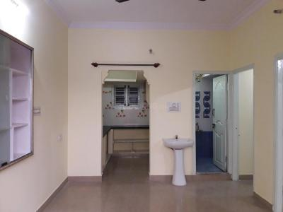 Gallery Cover Image of 600 Sq.ft 2 BHK Apartment for rent in Koramangala for 15000