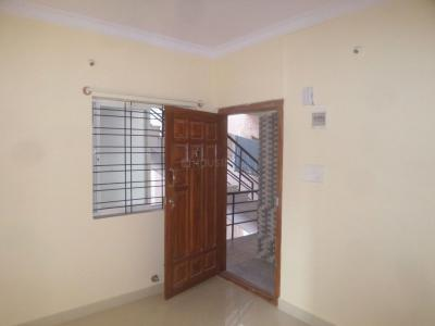 Gallery Cover Image of 800 Sq.ft 2 BHK Apartment for rent in R. T. Nagar for 12000