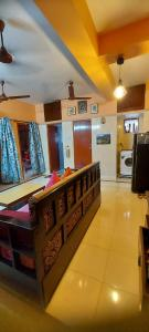 Gallery Cover Image of 1700 Sq.ft 5 BHK Apartment for rent in Aparupa Apartment, Behala for 30000