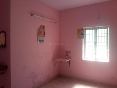 Gallery Cover Image of 750 Sq.ft 2 BHK Apartment for rent in Madipakkam for 8000