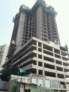 Gallery Cover Image of 1070 Sq.ft 2 BHK Apartment for buy in Malad East for 19500000