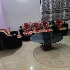 Gallery Cover Image of 900 Sq.ft 2 BHK Independent Floor for rent in Nyay Khand for 13000
