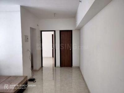 Gallery Cover Image of 800 Sq.ft 2 BHK Apartment for rent in Lodha Amara Tower 26 27 28 30 34 35, Thane West for 24000