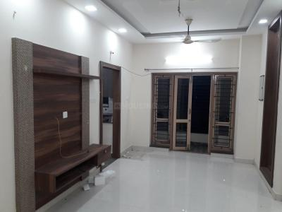 Gallery Cover Image of 1250 Sq.ft 3 BHK Apartment for rent in Velachery for 22000