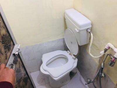 Bathroom Image of PG 4545294 Kandivali West in Kandivali West