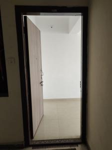 Gallery Cover Image of 875 Sq.ft 2 BHK Apartment for buy in Thane West for 9600000
