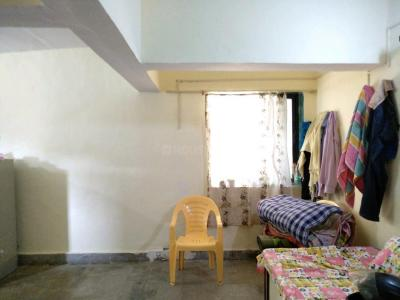 Gallery Cover Image of 280 Sq.ft 1 RK Apartment for rent in Swaraj Laxmi Narayan Building, Chinchpokli for 5000