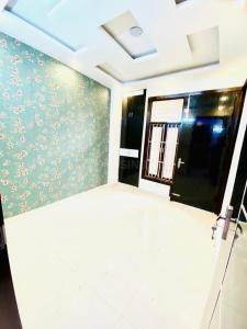 Gallery Cover Image of 405 Sq.ft 1 RK Apartment for buy in Dwarka Mor for 1700000