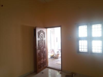Gallery Cover Image of 600 Sq.ft 1 BHK Apartment for rent in Nangainallur for 8000