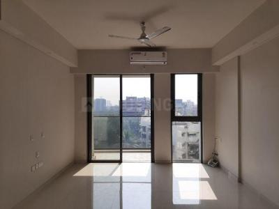 Gallery Cover Image of 1350 Sq.ft 3 BHK Apartment for rent in Bandra East for 150000