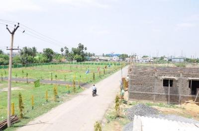 Gallery Cover Image of  Sq.ft Residential Plot for buy in Poonamallee for 2025000