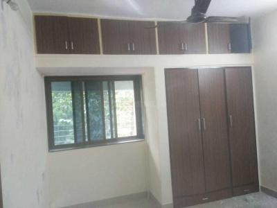 Gallery Cover Image of 610 Sq.ft 2 BHK Apartment for rent in Andheri West for 48000