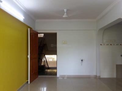 Gallery Cover Image of 850 Sq.ft 2 BHK Apartment for rent in Shivling Apartments, Borivali West for 25000
