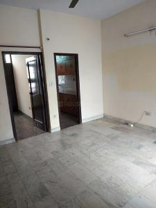 Gallery Cover Image of 600 Sq.ft 1 BHK Independent Floor for rent in Sector 10A for 12000