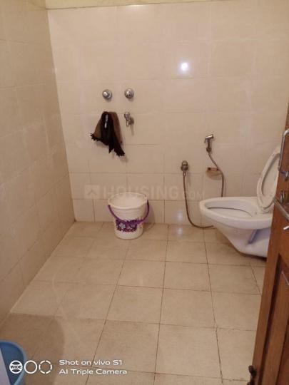 साल्ट लेक सिटी में ऋषिका लेडिज पीजी के बाथरूम की तस्वीर