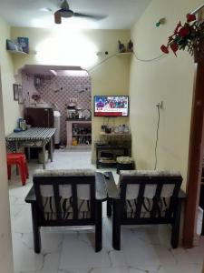 Gallery Cover Image of 630 Sq.ft 2 BHK Apartment for buy in Cc Auroville, Pozhichalur for 2600000