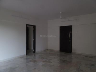 Gallery Cover Image of 1360 Sq.ft 2.5 BHK Apartment for rent in Khar West for 90000