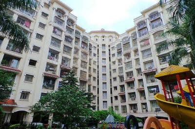 Gallery Cover Image of 975 Sq.ft 2 BHK Apartment for buy in Kandivali East for 15500000