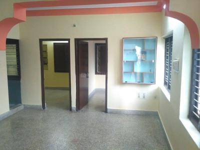 Gallery Cover Image of 800 Sq.ft 2 BHK Apartment for rent in Ulsoor for 17000