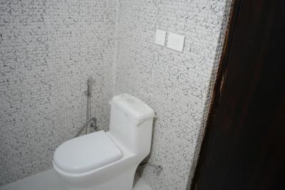 Bathroom Image of Stayhook-one Room In 3bhk Fully Furnished Apartment in Sector 74